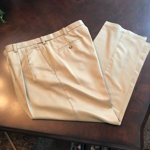 Haggar Khaki pleated dress pants 40x30